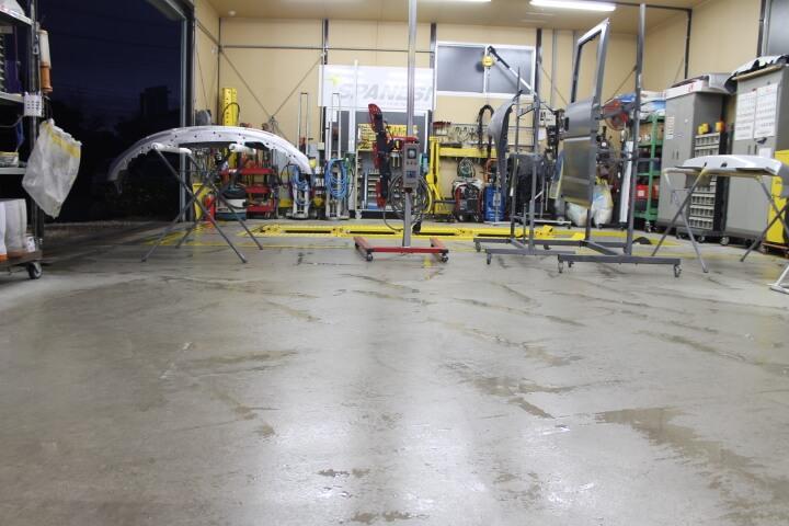 清潔な板金工場