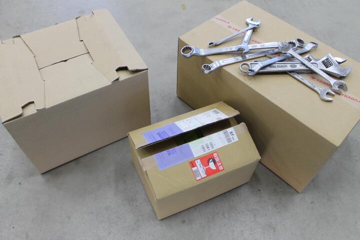 工具の荷造り梱包