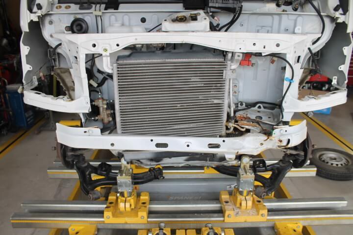 廃車する事故車を修理します