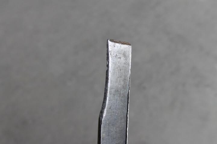 タガネの刃先