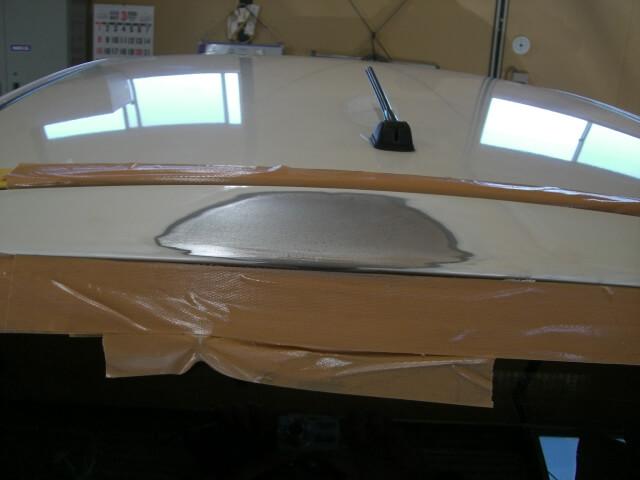 フィット テールゲート 鈑金塗装