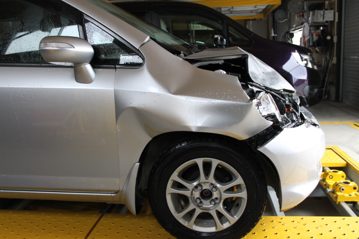 事故車の鈑金塗装