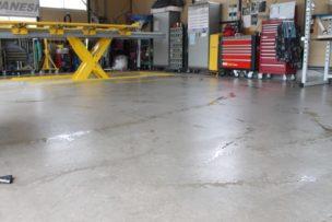 板金塗装工場 大掃除