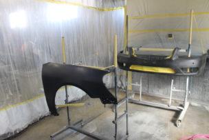 塗装スプレースタンドへ部品を固定
