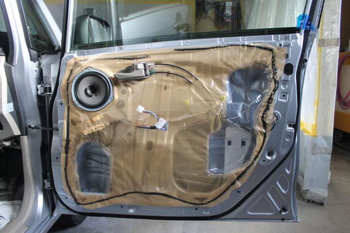 LA100Sムーブ ドアの内部