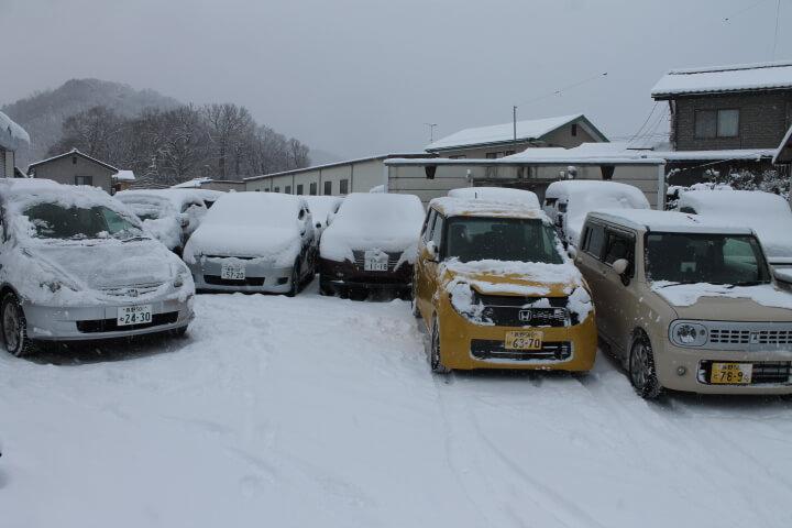 鈑金塗装工場敷地外の雪かき