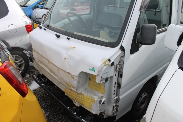事故車が有ると駐車スペースを占領して仕事効率がダウン