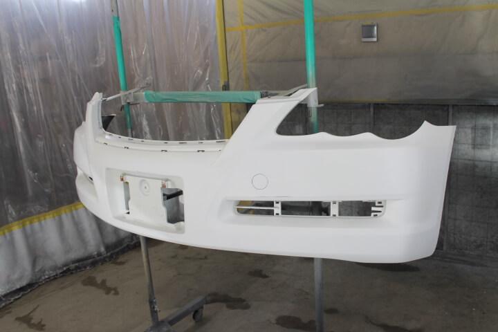 マークXフロントバンパー修理サフェーサー塗装