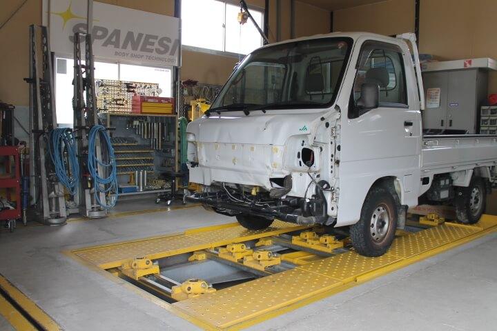 スバル・サンバー事故車修理途中