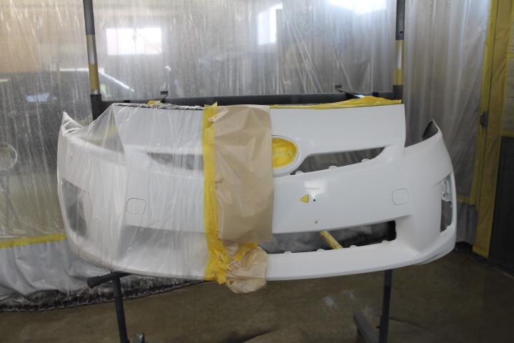 30プリウス フロントバンパー部分補修塗装
