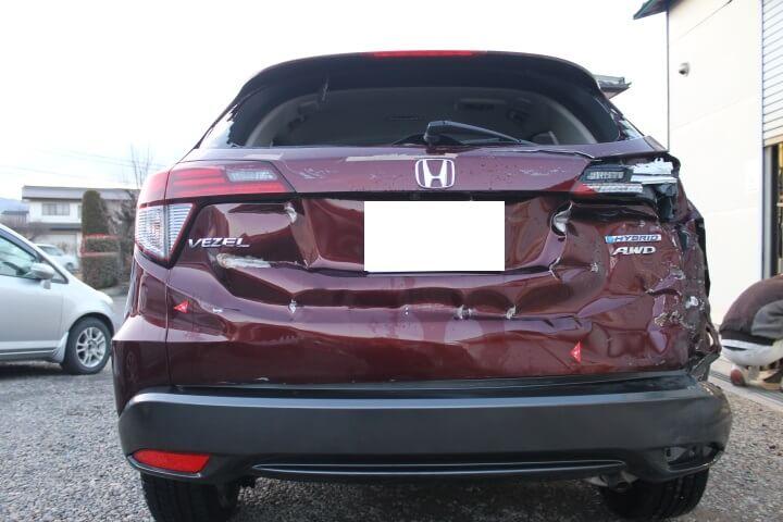 ホンダヴェゼル事故車修理