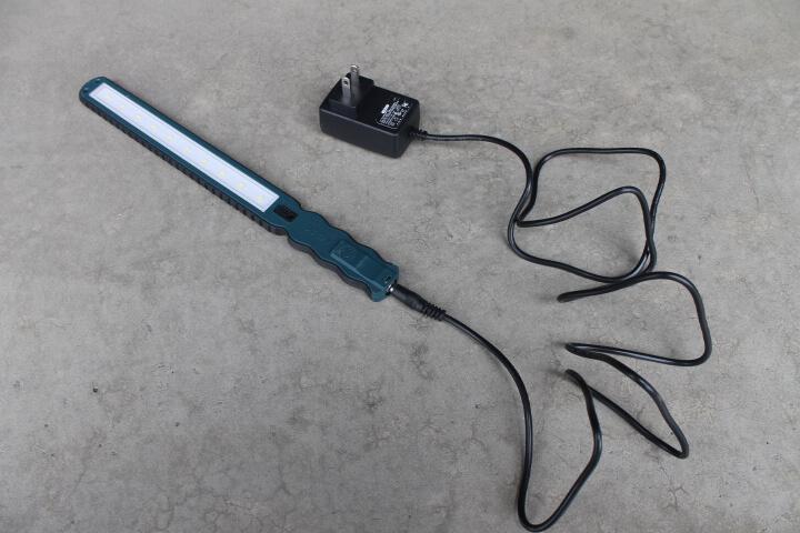充電式スキニーライトSLB10 充電器