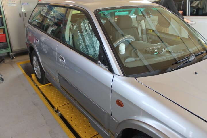 スバル レガシィ5ドアワゴン BH9 ランカスター 板金塗装修理