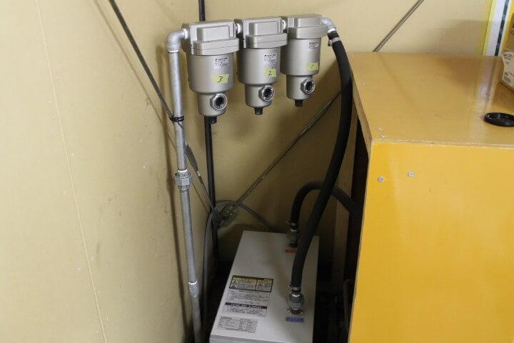 不純物、ちり、ほこり、水分、油分、臭気を取り除くフィルタの設置