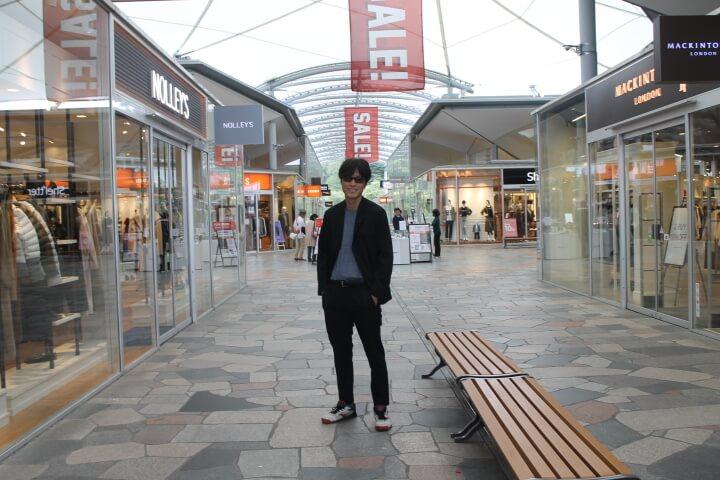 軽井沢アウトレットにスーツ型作業着で行ってみた