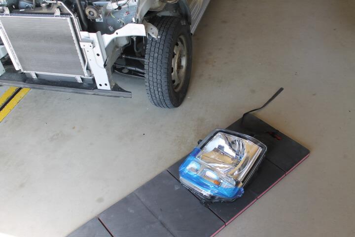 KTC 自動車整備用寝板メカニックマット AYM-1 部品置きで傷防止