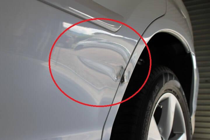 内輪差でぶつけた車の修理代