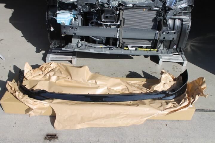 ダイハツ M910S トールカスタム フロントバンパースポイラー交換