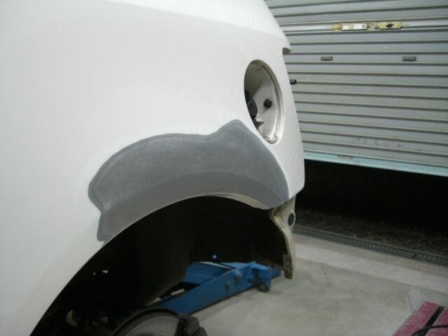 シビックタイプR 左アウトサイドパネルのへこみ修理