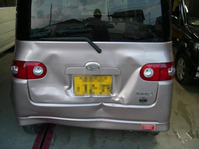 タント 追突事故車修理