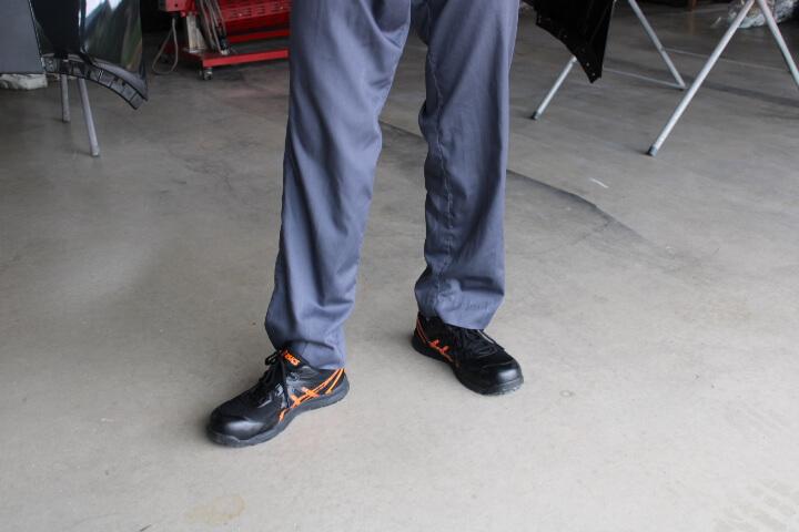 アシックス安全靴FCP106-9009 ブラック×オレンジポップ