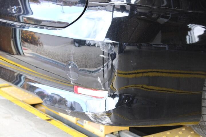 トヨタ ACR50 エスティマ リアバンパーの損傷