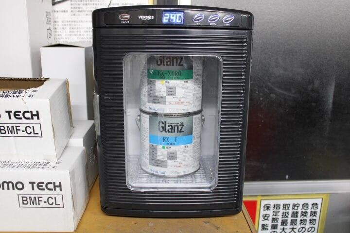 UVパテを保温庫で温める