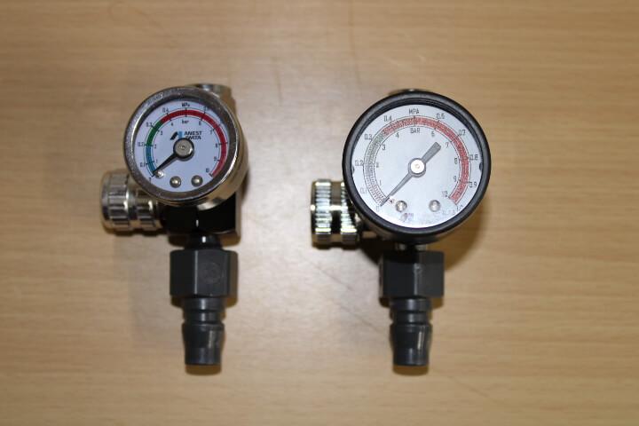 手元圧力計はアネスト岩田 ストレートタイプ手元圧力計 AJR-02S-VGがおすすめ