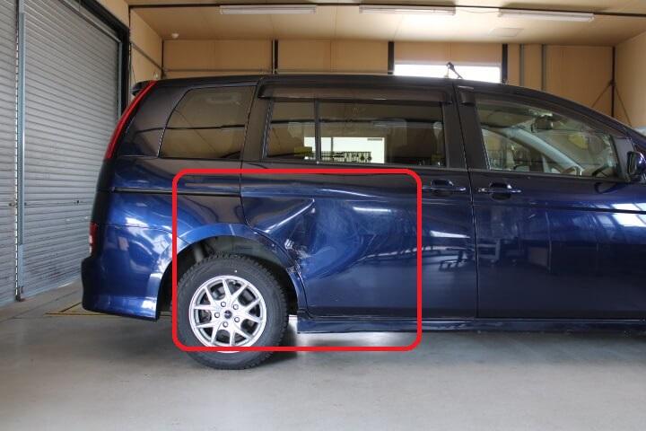 トヨタ ANM15 アイシス 対物超過修理費用補償特約で板金塗装修理